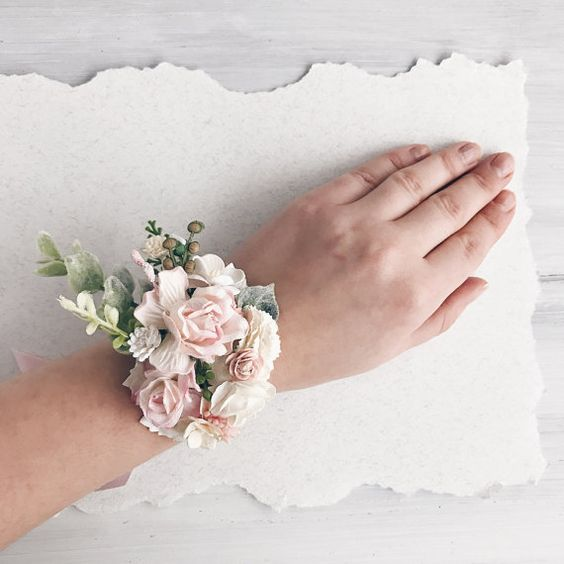 Wedding Flowers Corsage Ideas: 60+ Stylish Wedding Corsage Ideas You Can't Miss! ⋆ BrassLook