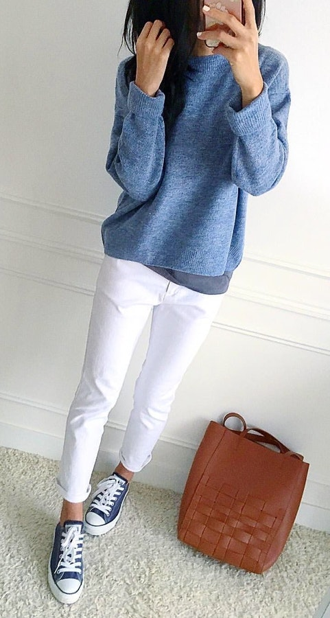 1e26c85a923  5 Stylish gray long-sleeved crew-neck sweater and white pants. Pic Source