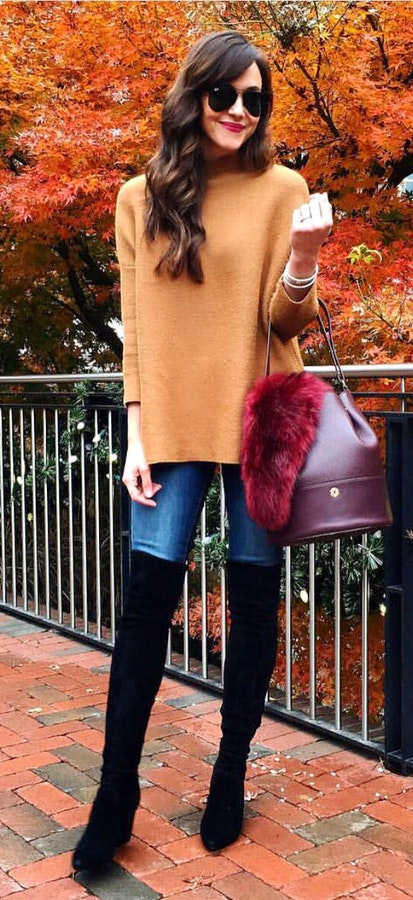 4440429f1d9  21 Wonderful Winter Style brown crew-neck long-sleeved shirt and blue  skinny jeans. Pic Source