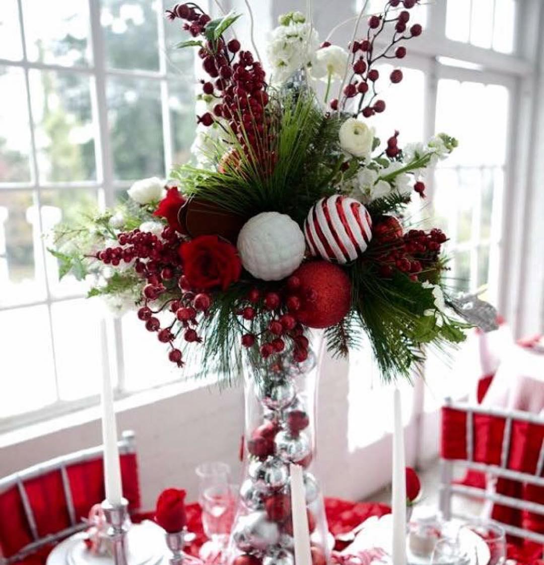 Beautiful Christmas Centerpiece.